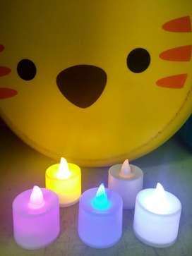 Lilin LED dengan pilihan warna
