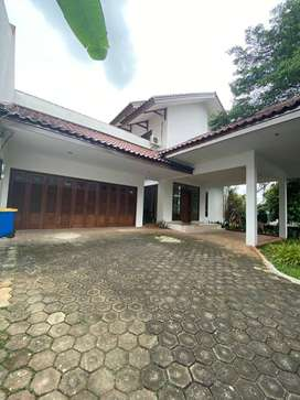 For Rent House at Kemang Timur 4 Bedroom Nice and Cozy