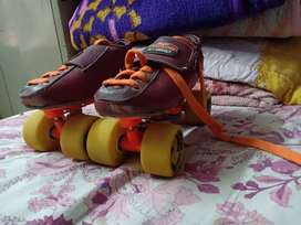 Roller skates with best quality wheels and bearing