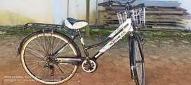 Sepeda merek VERSAILES