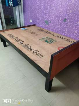 6×4 Wooden Bed