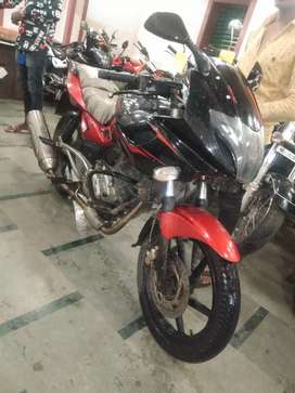 Bajaj pulsar 220 red black