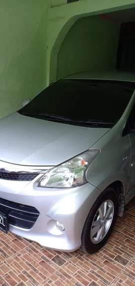 Toyota Avanza Veloz th 2012 minivan km rendah