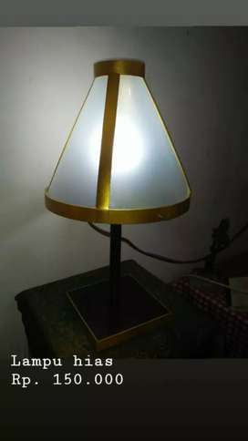 Lampu hias meja