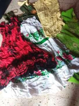 Women used kurtas and middi