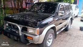 Nissan terrano 2002 warna hitam (Harga Lelang Hari ini saja)