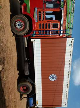 Comercial vehicle Container