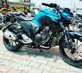 FZ 25 in mint condition for sale. Hardly used.
