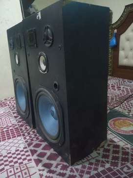 Pioneer 12inch woofer speakers BOht acha sound and awaz