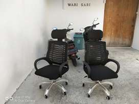 Kursi kantor sandaran kepala