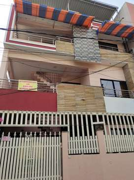 Semi furnished rooms for girls behind Bombay Hospital