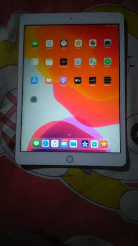 Apple IPad , 7 generation, 32gb