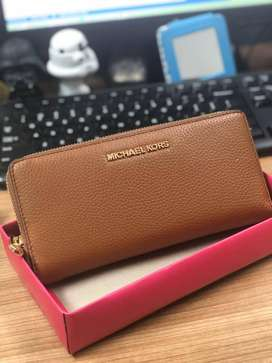 Michael kors large travel continental