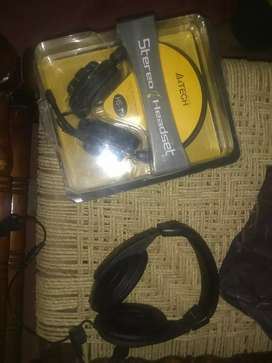 2 Headphones for Sale only in 1500
