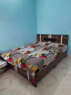 Box Bed 5×6good condition with mattress