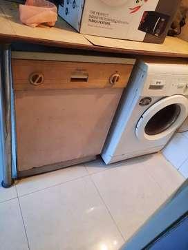 Hotpoint Dishwasher large q