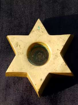 jewish symbolism, candle stick..kuningan tebal