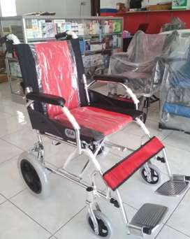 Kursi roda lipat travelling ringan