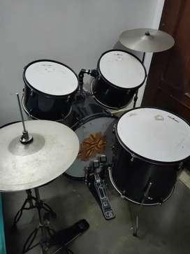 Chancellor Drum Set