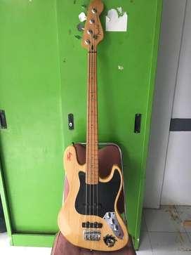 Jazz Bass Fender Custom Second / Bekas