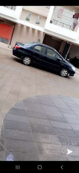 Hondacity zxgxi black colour. In good condition.