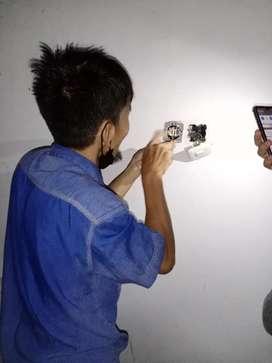 Pemasangan listrik dan lampu rumah