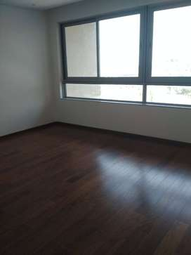 5 BHK flat (Kingfisher tower) available for sale in lavelle road