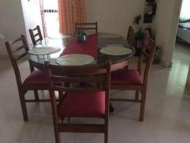 Dining table 6 seater.teakwood