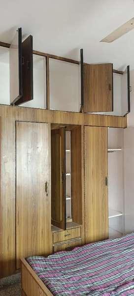 Independent furnished 2 room set for girls/boys/couple