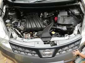 Nissan livina 2010