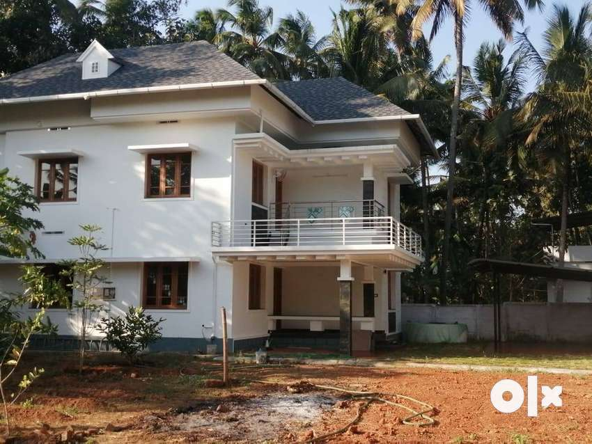 KARYATTUKARA, Thrissur, 6 cent, 2100 sqft, 3 BHK, 1.20 Cr. Negotiable, 0
