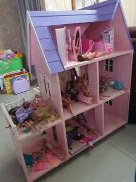 Rumah Barbie Besar dan isinya