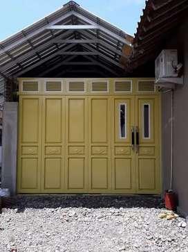 Henderson seleding dan pintu garasi lipat