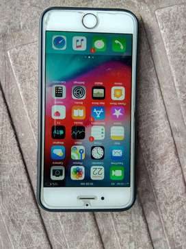 iPhone 6 16 GB 1year old with bill charger earphone