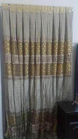 2 piece Curtains for sale.Neat and clean like new.