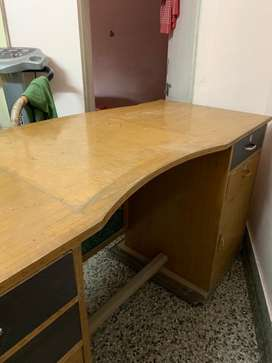 Table for office use 5.5Feet