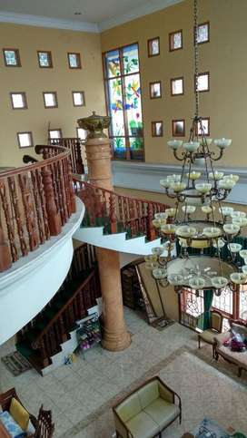 Rumah Mewah di Daerah Elite Jl. Sisingamangaraja, Semarang