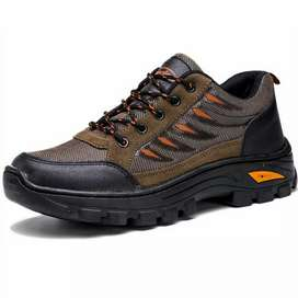 Sepatu gunung hiking pria