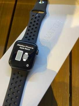 Apple Watch Series 4 40mm Fullset Mulus