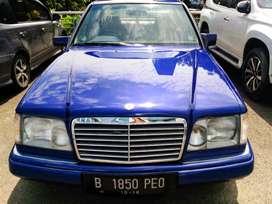 Mercy 200E Thn 1993. Biru Metalik