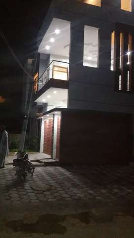 House for sale in block d 200 yards brand new n used near imam bargah
