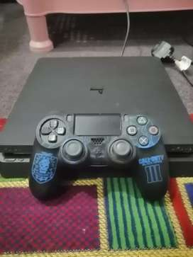 Play station 4 1TB for sale with fortnite account
