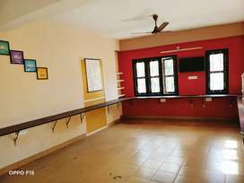 Office space for rent, 400 sqft second floor in Thampanoor.