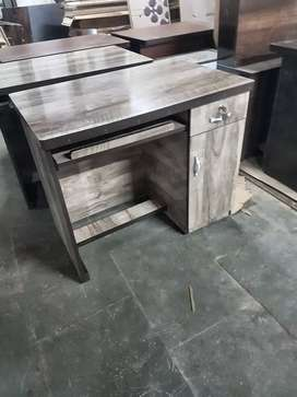 New office table in direct factory price.