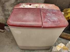 Lloyd washing machine in great condition