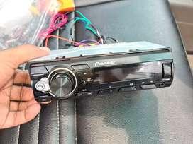 Poineer bluetooth and USB car audio
