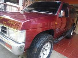 Dijual Terrano merah 2002