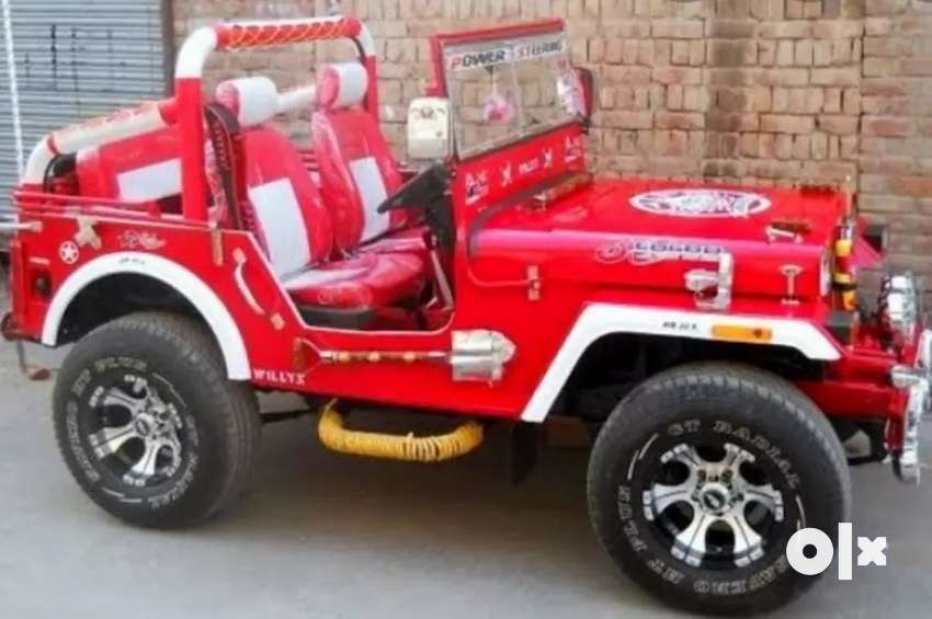 Modified open Red jeep 0