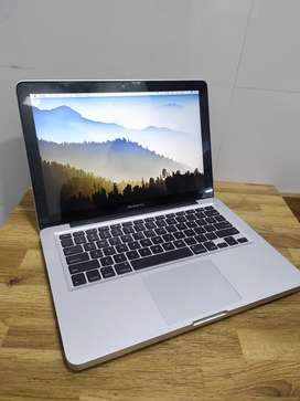 MD101 macbook pro 13 inch good condition 2012