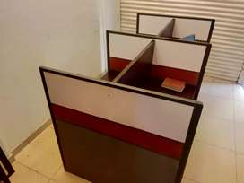 6 high quality office cubicles.Rs.35000 for all